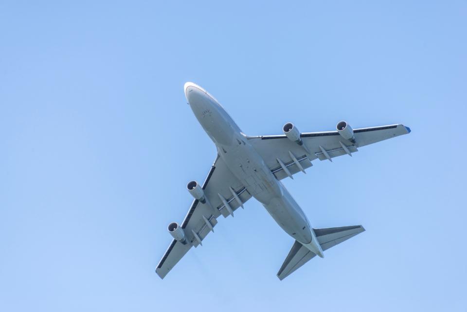 airplane flying sky jet airline airliner commercial blue travel trip transportation