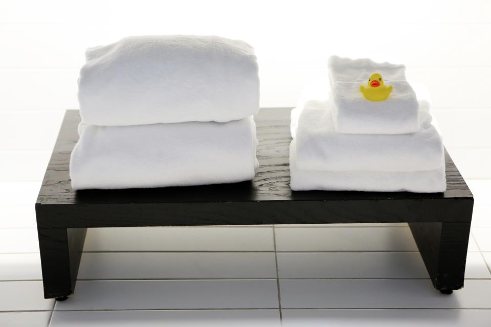 Korean Beauty Bliss: 2017 Best Sheetmask in Korea - ThatGirlCartier spa white towels tiles bench yellow rubber duck massage