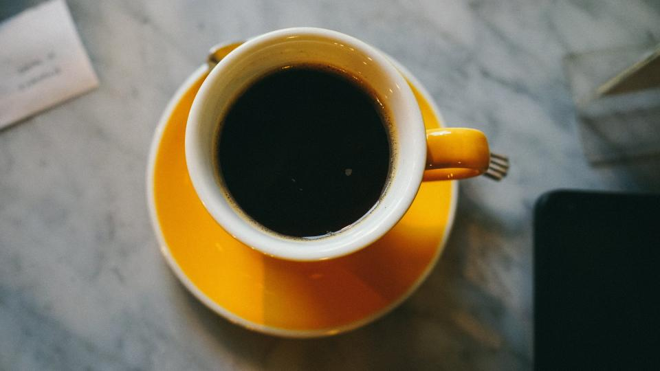 coffee cafe hot mug cup white coffeemaker shop restaurant plate