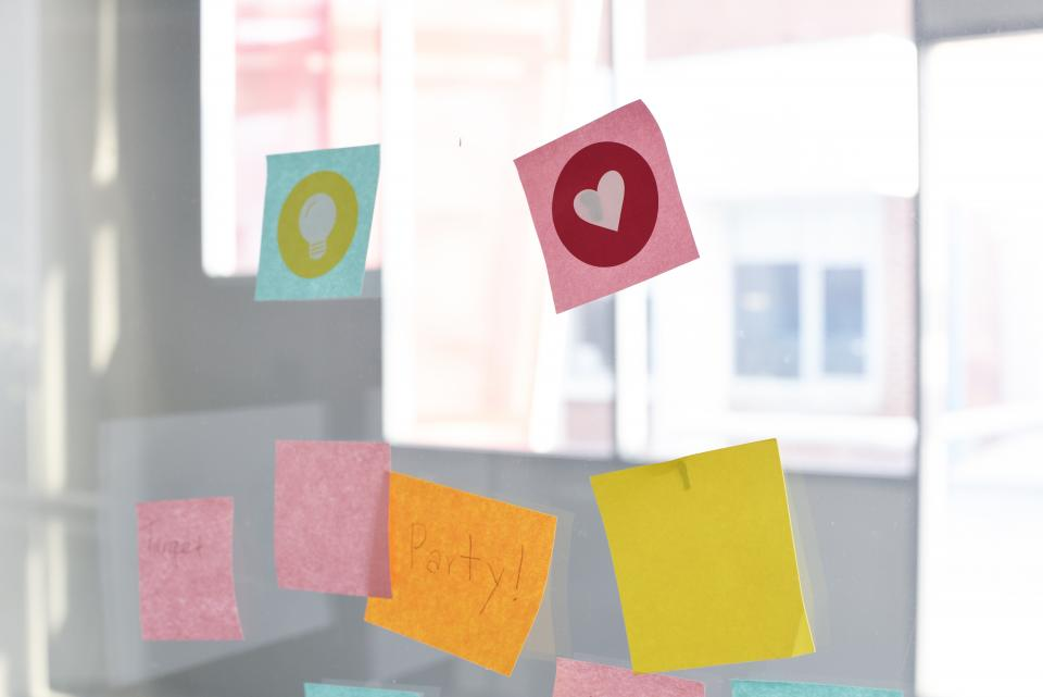 sticky note door glass reminder notes office business heart