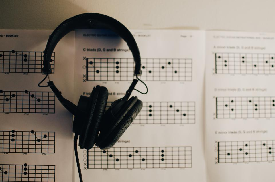 headphones headset music black speaker paper