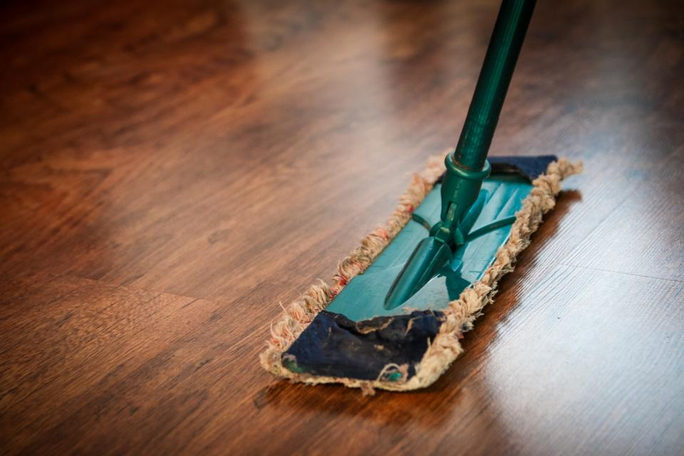 mop sweeping cleaning hardwood floors house maid