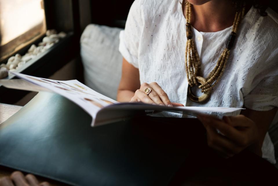 reading leisure restaurant coffee shop magazine break notebook recreational hangout book cafe note business student study